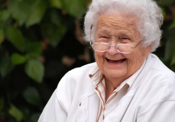 smiling-old-lady-600x421