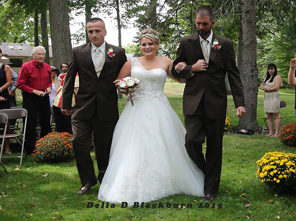 pmayb-dad-asks-father-in-law-to-walk-bride-6
